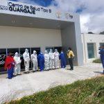 Apoyo a personal en el Centro de Salud Guangaje. Crédito: Programa de Vinculación Comunitaria